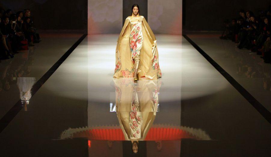 Zhang Zhifeng s'est inspiré du printemps pour les motifs de cette création.