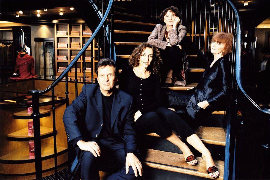 Sonia Rykiel avec sa tante Danièle Flies, sa fille Nathalie et son ancien gendre Simon Burstein, à Saint-Germain-des-Prés.