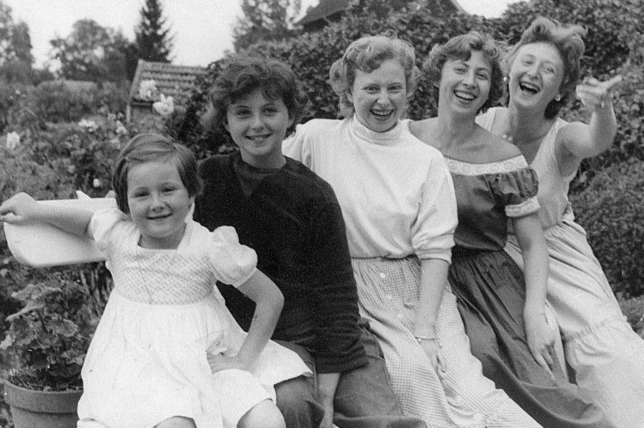 Sonia Rykiel et ses quatre soeurs Janine, Françoise, Danièle et Muriel.