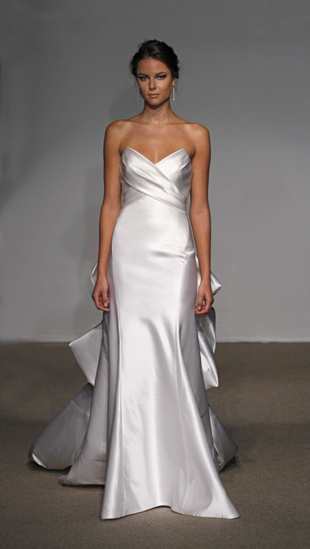 Robe de mariée sirènehttps://www.pinterest.fr/pin/468867011198896478/