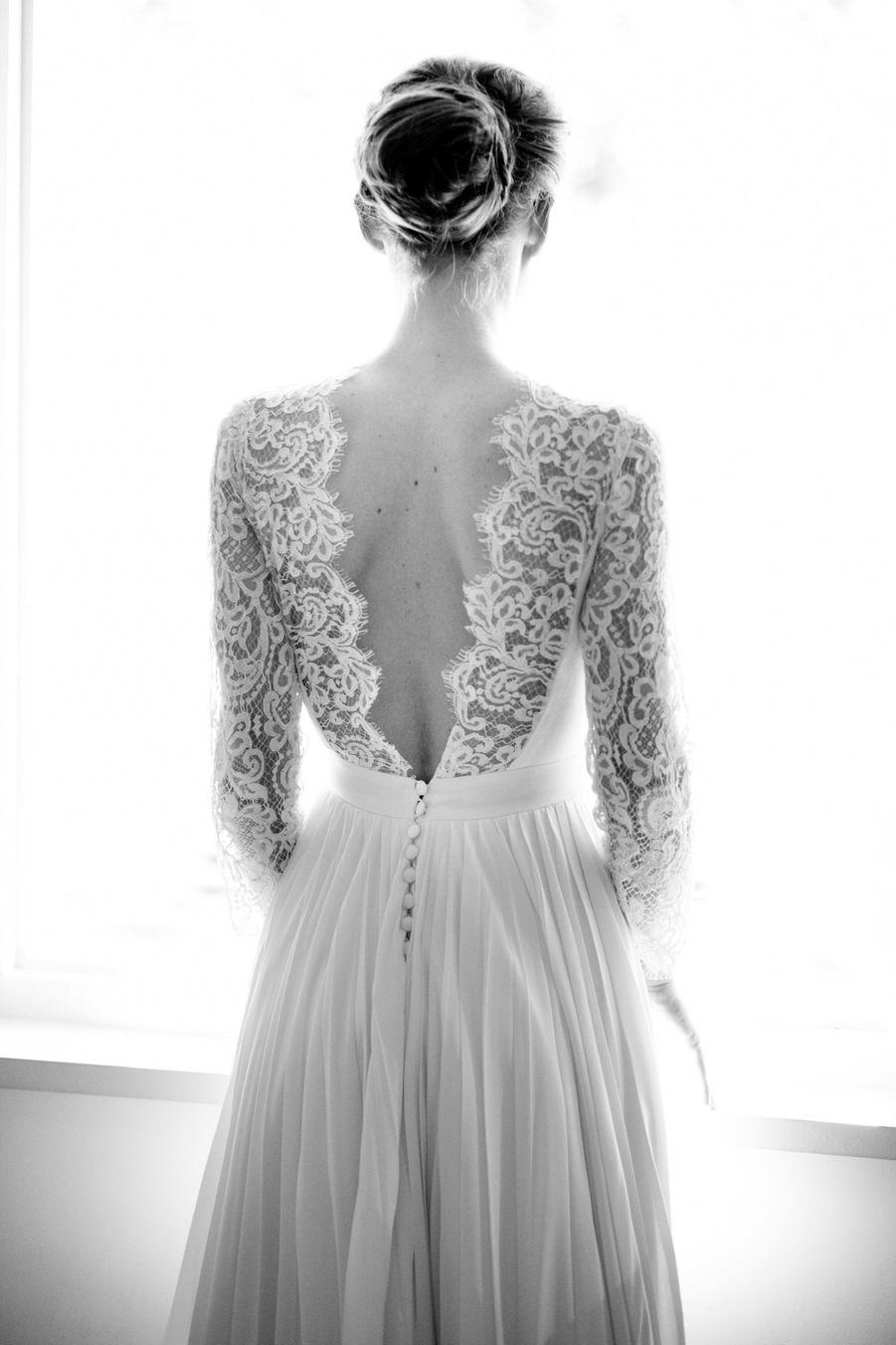 Robe de mariée plissée en crêpe de soiehttps://www.pinterest.fr/pin/337277459573908757/