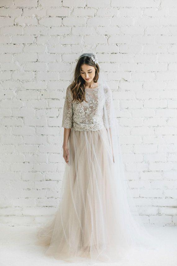 Robe de mariée bohème deux pièceshttps://www.pinterest.fr/pin/226728162471505883/