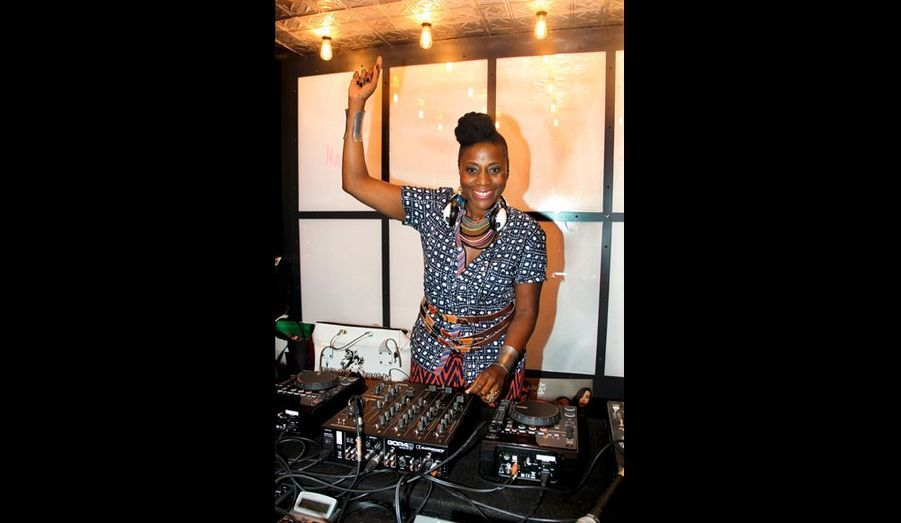 Aline Afanoukoé, DJ de la soirée.