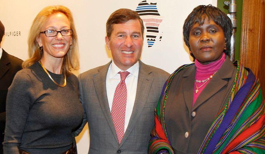 L'ambassadeur des Etats-Unis, Charles Rivkin, son épouse, Susan Tolson, et l'ambassadrice d'Ouganda, Elizabeth Paula Napeyok.