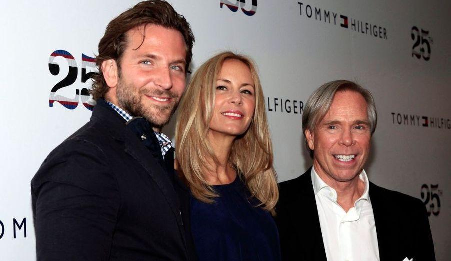 Bradley Cooper, aux côtés de Tommy Hilfiger et de sa femme, Dee Ocleppo.