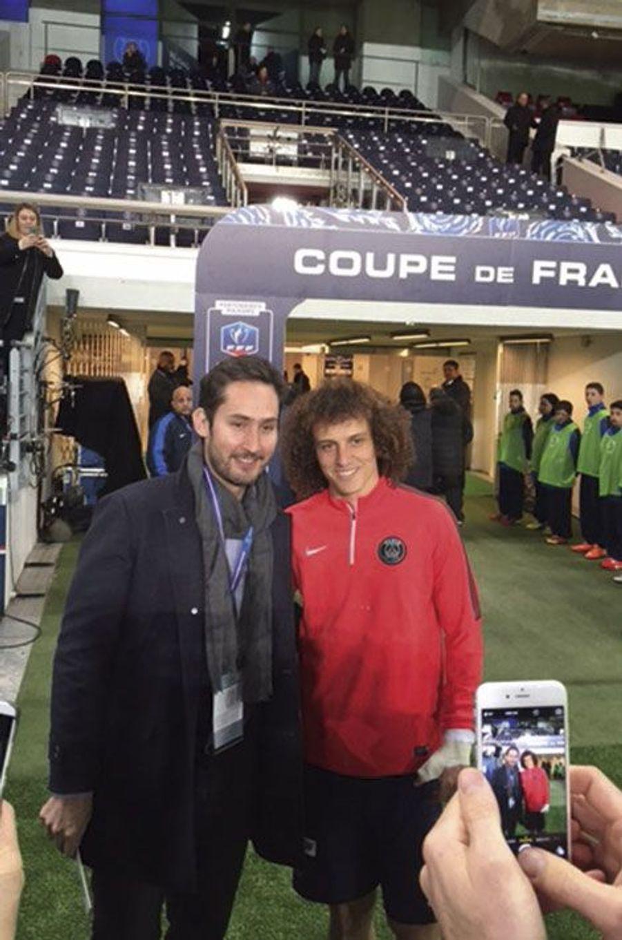 Au Parc des Princes, le 4 mars, avec le défenseur du PSG David Luiz.