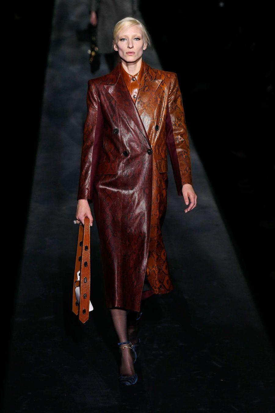 Clare Waight Keller a présentéle 3 marsla collection Givenchy automne-hiver 2019-2020.