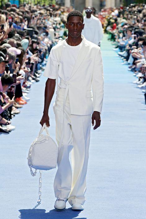 Une manche de tee-shirt pour un costume : « 3 % : c'est le ratio parfait pour créer un nouveau classique. »