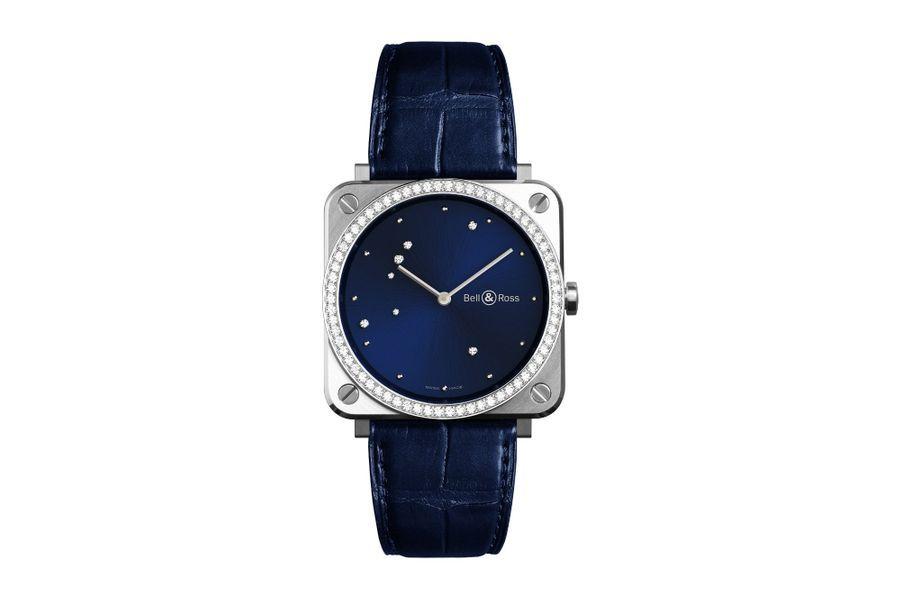 BRS Blue Diamond Eagle en acier, lunette sertie de diamants, 39 x 39 mm, cadran représentant la constellation de l'aigle avec sept diamants, mouvement à quartz, bracelet en alligator, 5900 euros. Bell & Ross.