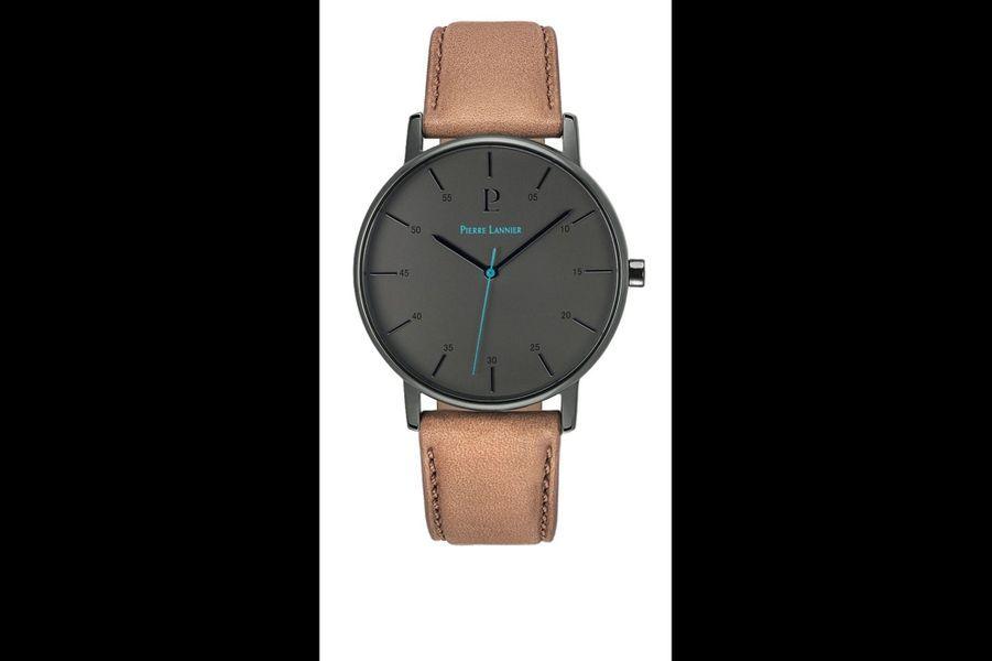 DUNE en acier PVD noir, 39 mm de diamètre, mouvement à quartz, bracelet interchangeable en cuir. Pierre Lannier. 129 €.