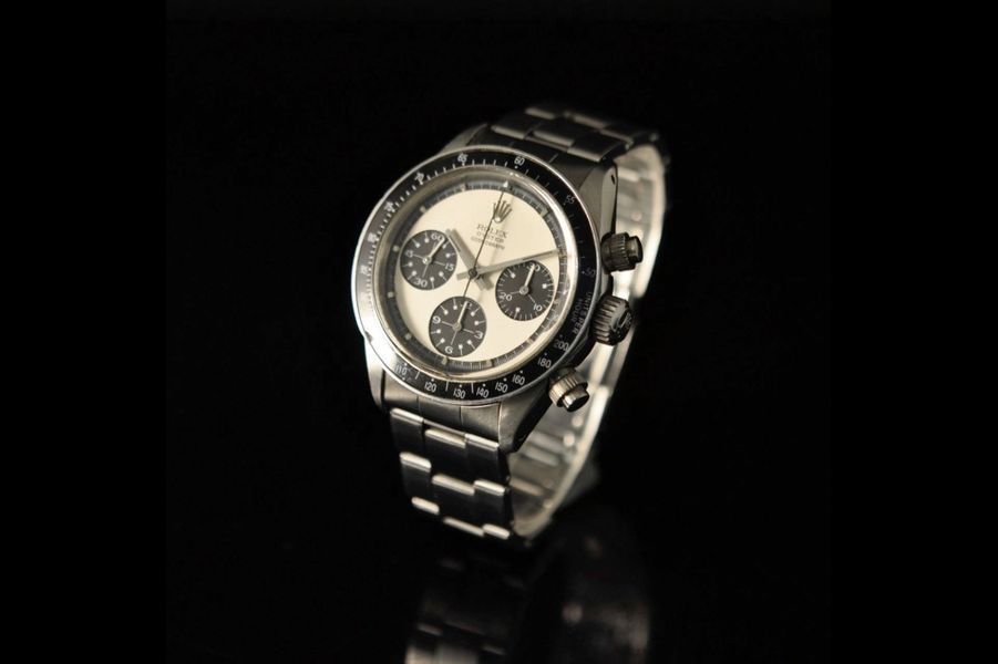 Le mythe : La Rolex Daytona « Paul Newman » en acier est le chronographe « panda » le plus célèbre et le plus cher de la planète. Estimé aujourd'hui entre 500 000 et 800 000 €, il est apparu en 1971 sous la référence 6263. Remarqué au poignet de Paul Newman, d'où son surnom, il est reconnaissable par un cadran blanc à trois compteurs noirs, l'absence de l'inscription en rouge Daytona et un tour des heures noir sur sa circonférence. Un cadran rare, quelques centaines à peine auraient été produits. En juin 2018, un spécimen a été adjugé par Christie's à New York pour la modique somme de 645 000 euros.
