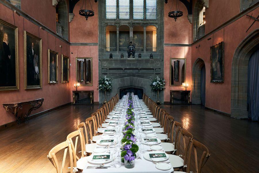 Un déjeuner autour des équipes Jaeger-LeCoultre, de Claire Milford Haven et de Gabriella Wilde, a été organisé dans la somptueuse salle à manger de Cowdray House.