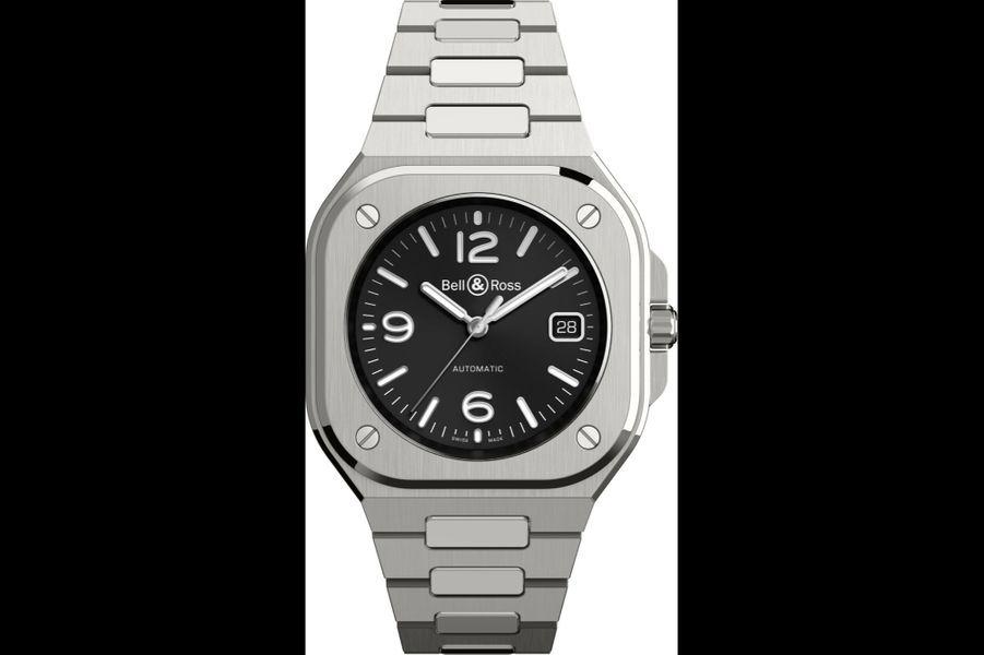 BR-05 Black Steel en acier, 40 mm de diamètre, mouvement automatique avec date, bracelet en acier. Bell & Ross, 4500 euros.