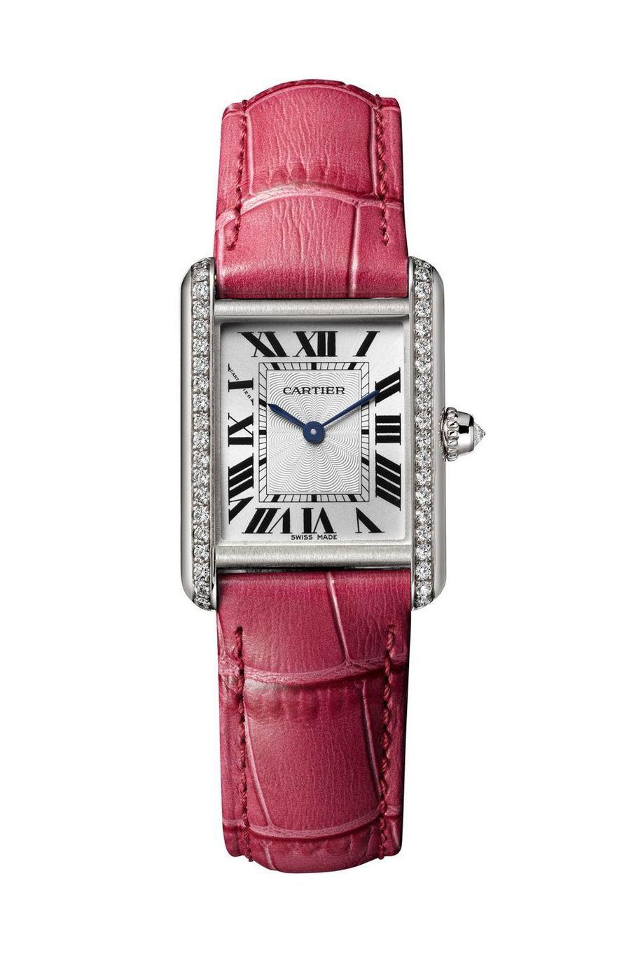 Tank Louis Cartier Grand Modèle en or rose, 34 mm x 30 mm, mouvement à quartz, bracelet en alligator. 12 000 €.