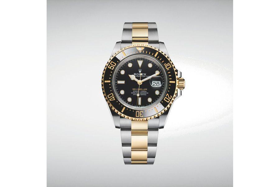 Oyster Perpetual Sea-Dweller en acier et or jaune, lunette en céramique, 43 mm de diamètre, mouvement automatique, bracelet en acier et or jaune, étanche à 1 220 mètres, 15 650 €. Rolex.