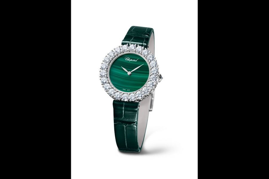L'Heure Du Diamant en or blanc, lunette en diamants, 30 mm, cadran en malachite, mouvement automatique, bracelet en alligator. Chopard. 38 900 €.