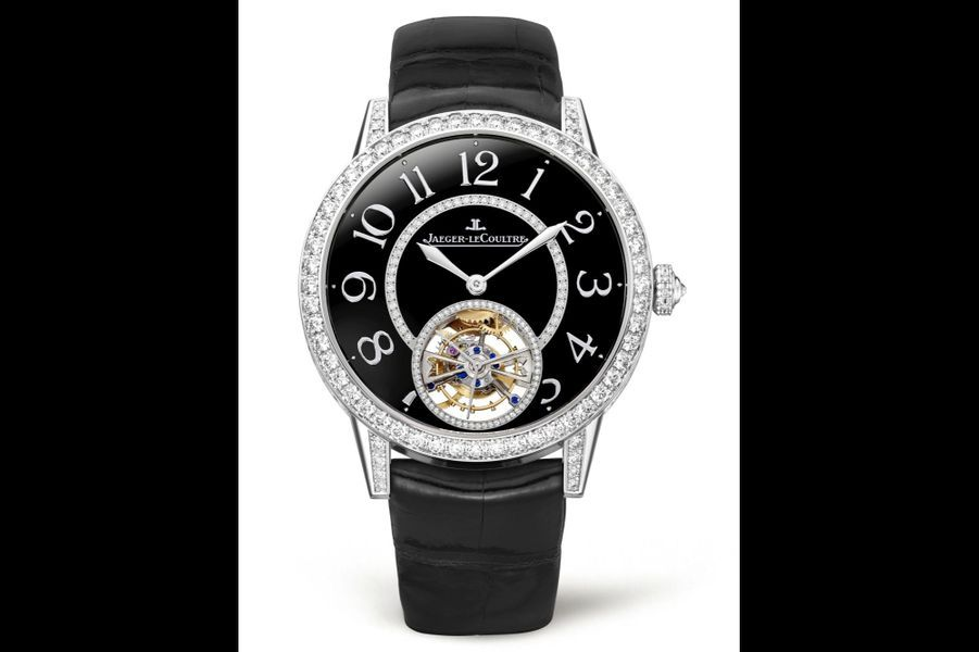 Rendez-Vous en or gris et diamants, 39 mm de diamètre, mouvement automatique, bracelet en alligator. 102 000 €. Jaeger-LeCoultre.