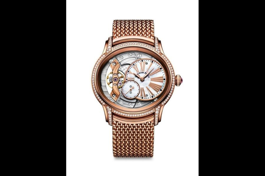 Millenary en or rose sertie de diamants, mouvement à remontage manuel, bracelet en or rose. Audemars Piguet. 47 700 €.
