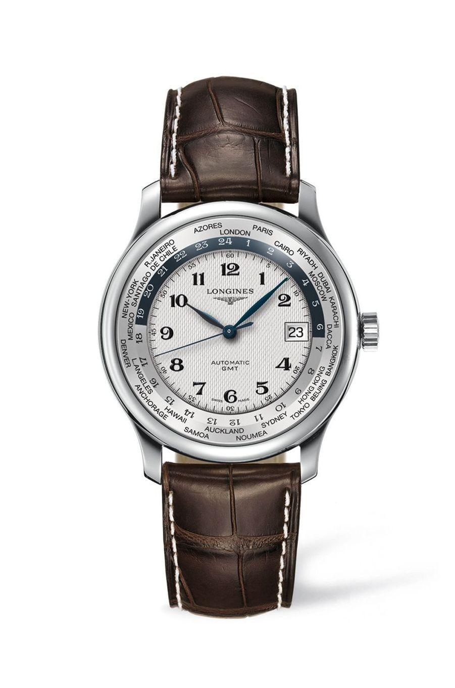 Master Collection GMT en acier, mouvement automatique, bracelet en alligator, 1 960 €. Longines.