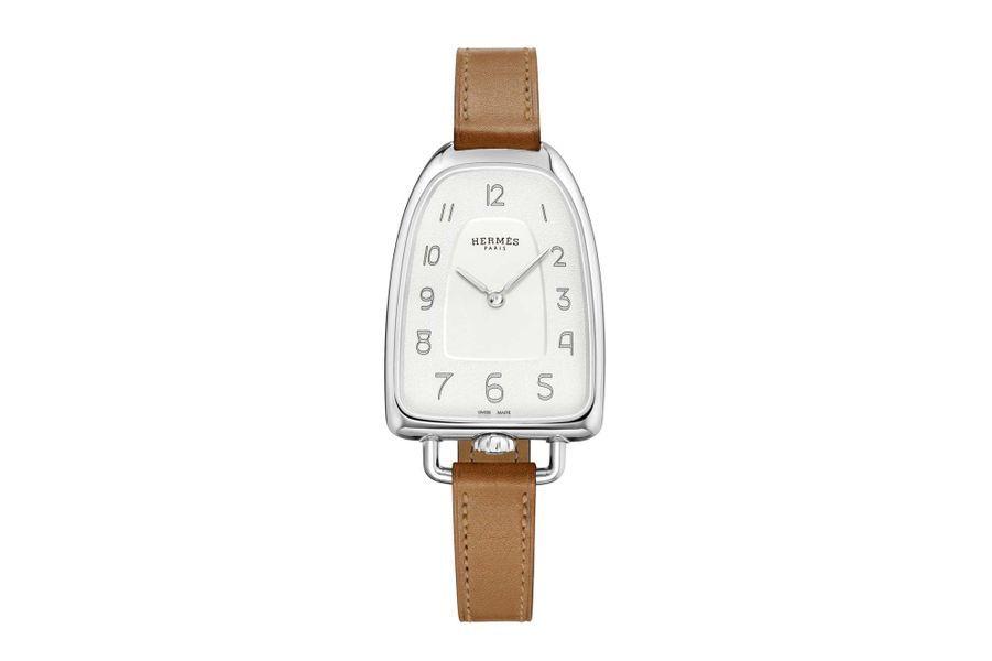Galop d'Hermès en acier, 41 x 26 mm, mouvement à quartz, bracelet en veau. Hermès. 3000 €.