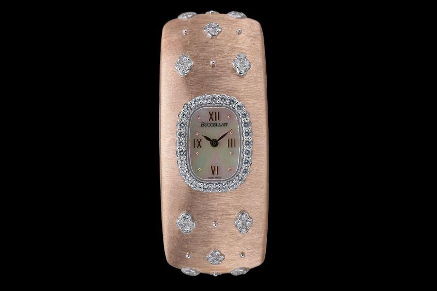 «Cléopatra» en or rose gravé, or blanc et diamants, mouvement à quartz, Buccellati. 24 000 €.