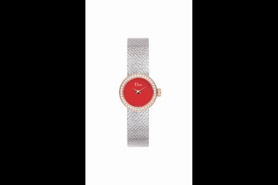 Mini D De Dior Satine en acier et or rose, lunette sertie de diamants, 19 mm de diamètre, mouvement à quartz, bracelet en acier, 5800 €. Dior Horlogerie.