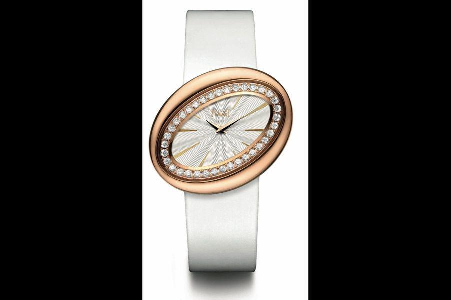 Limelight Magic Hour en or rose sertie de diamants, mouvement à quartz, bracelet en satin. 31800 €. Piaget