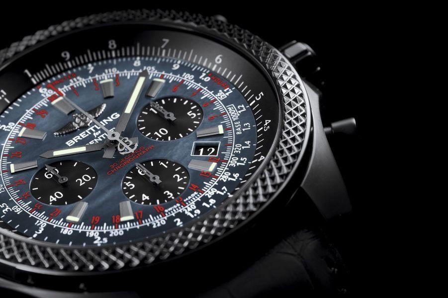 Boîte en acier PVD noir, 49 mm de diamètre, mouvement automatique avec chronographe et date par guichet, bracelet en caoutchouc motif alligator. Série limitée à 500 exemplaires. 11 800 €.