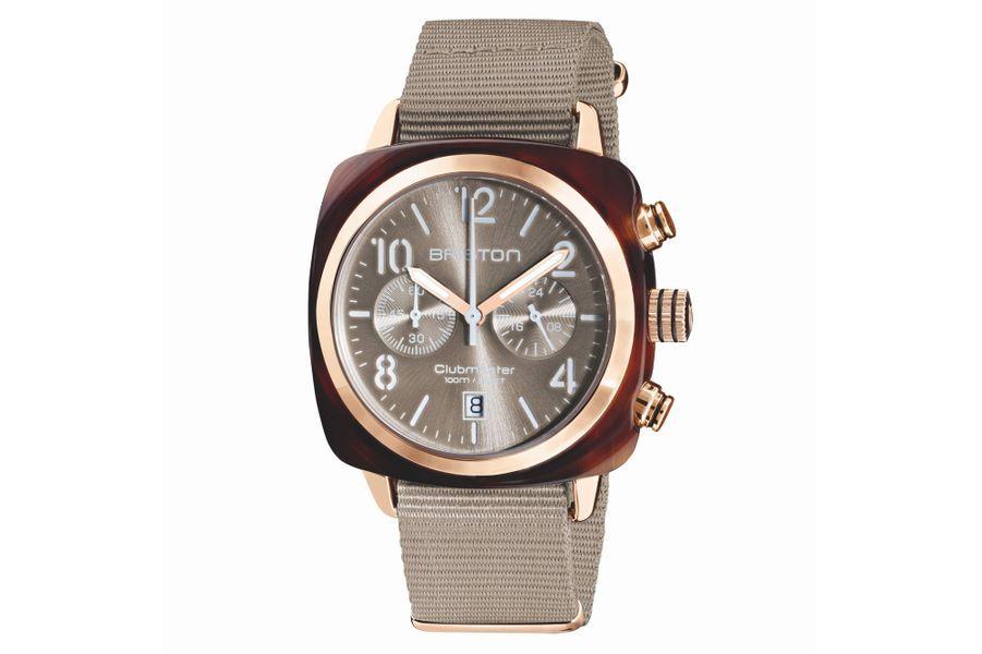 Chronographe Clubmaster Classic Pantone, boîte en acétate, lunette en acier PVD or rose, 40 mm de diamètre, mouvement à quartz, bracelet en toile. Briston, 270 €.
