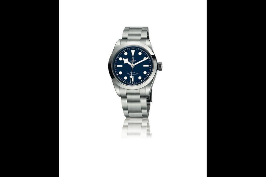 Black Bay en acier, 36 mm de diamètre, mouvement automatique, bracelet en acier. Tudor. 2770 €.