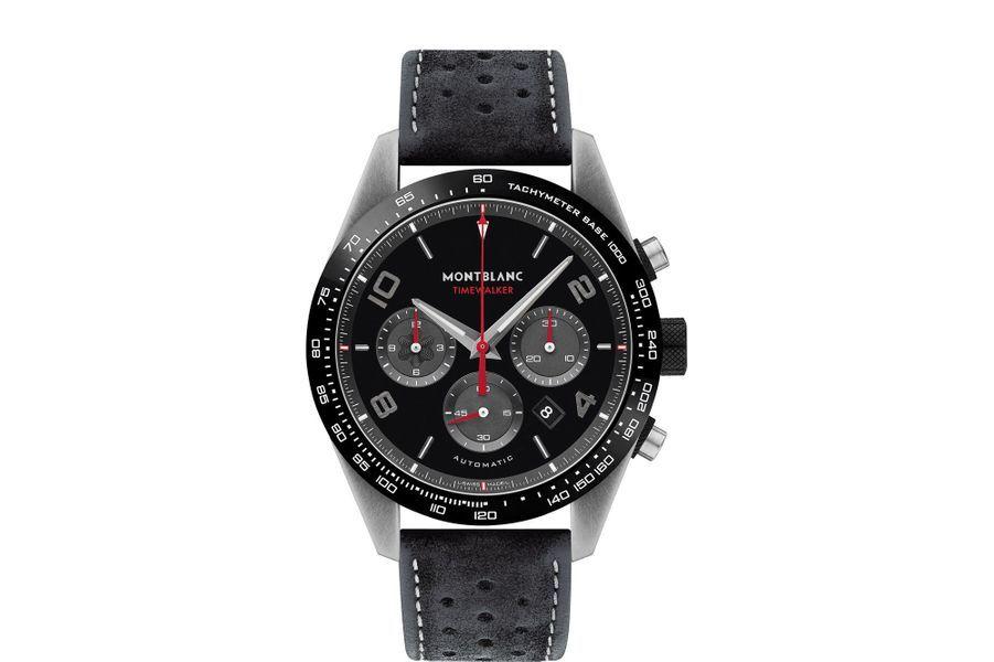 Chronographe TimeWalker Manufacture en acier vieilli, 43 mm de diamètre, cadran noir à trois compteurs auxiliaires gris, calibre MB 25.10 automatique, bracelet en veau velours perforé. Série limitée à 1500 exemplaires.