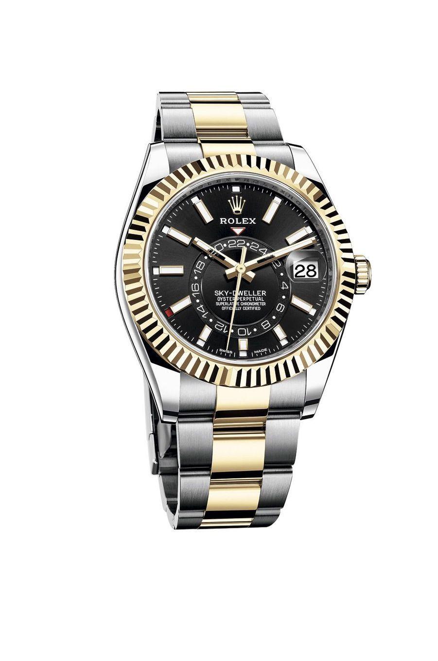Sky-Dweller, boîte en acier et or jaune, 42 mm de diamètre, mouvement automatique, bracelet en acier et or jaune. 15 650 €. Rolex.