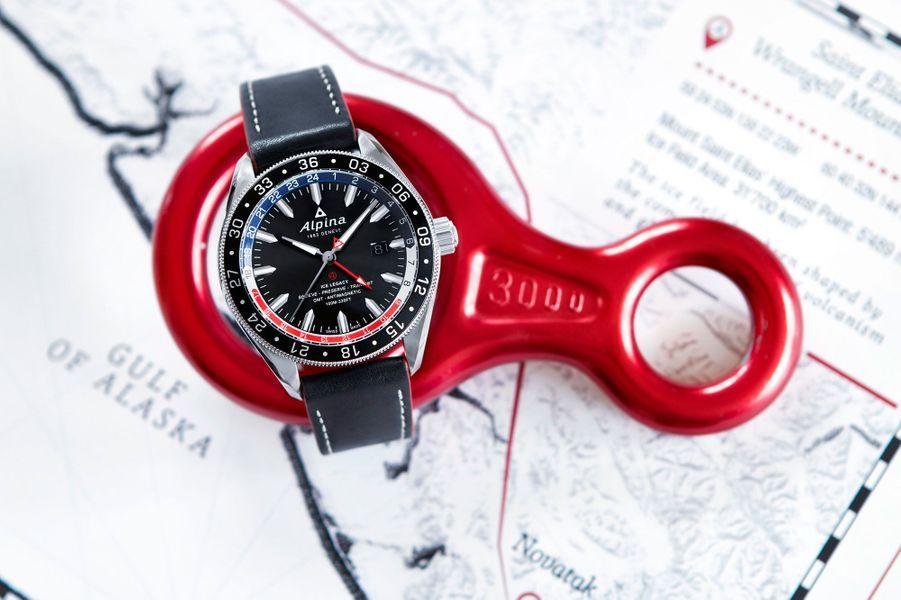 Alpiner 4 GMT. Boîte en acier, 44 mm de diamètre, mouvement automatique, bracelet en cuir. 1 950 €. Alpina.