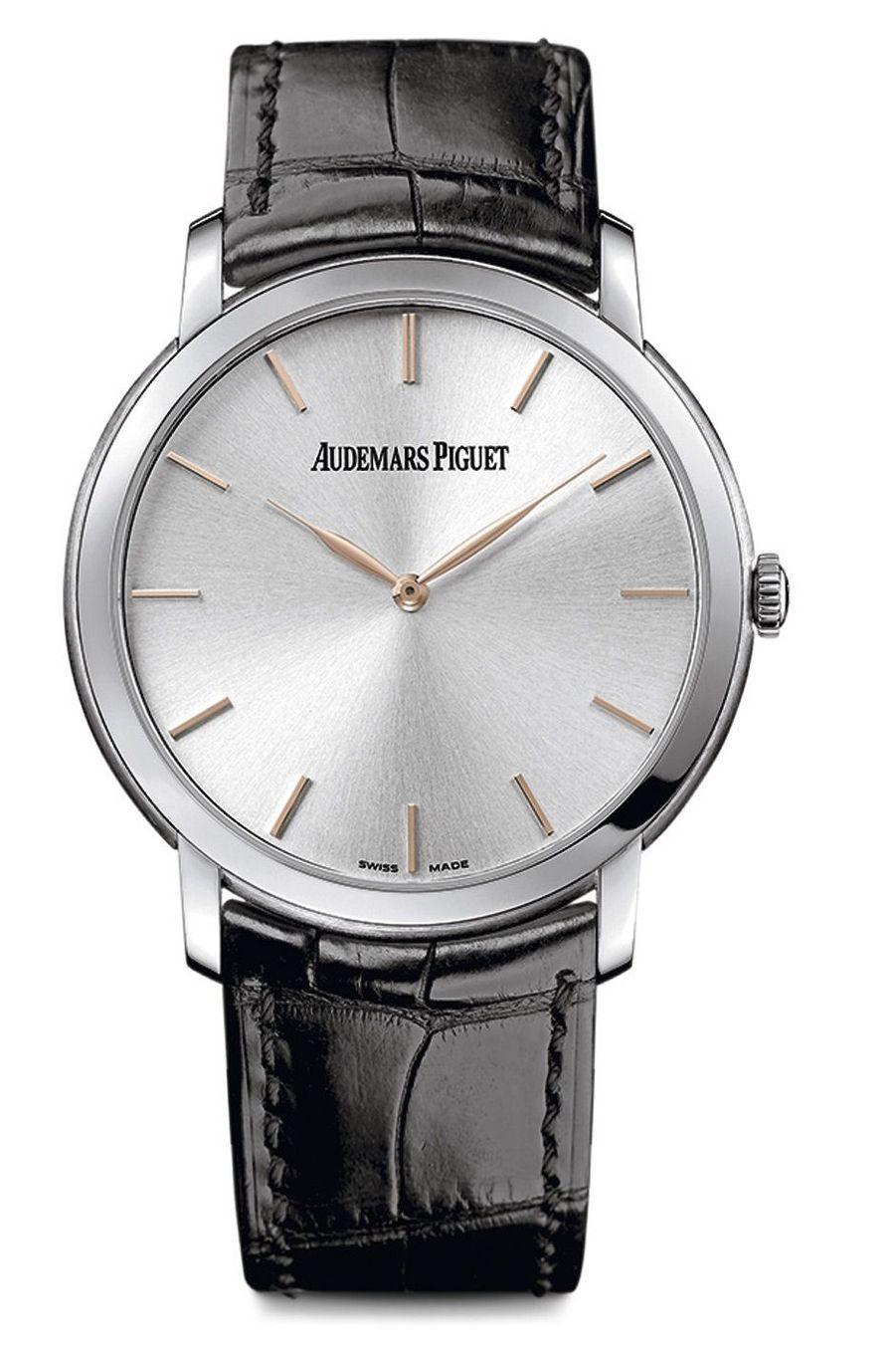 Jules Audemars, boîte en or gris de 6, 7 mm d'épaisseur, mouvement automatique de 3, 05 mm d'épaisseur, bracelet en alligator. 28 600 €. Audemars Piguet.