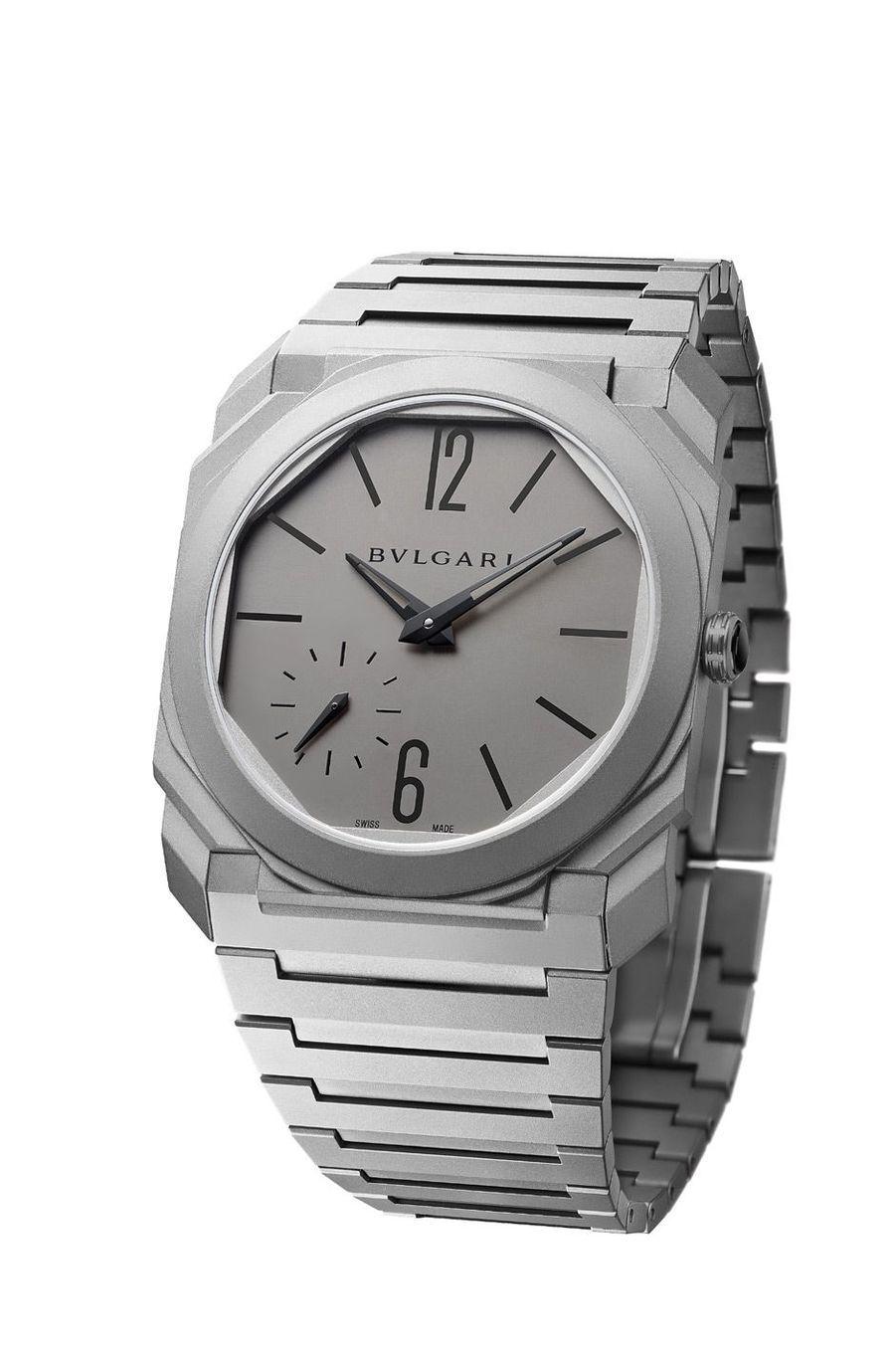Octo Finissimo, boîte en titane de 5, 15 mm d'épaisseur, mouvement automatique de 2, 23 mm d'épaisseur, bracelet en titane. 13 500 €. Bulgari.