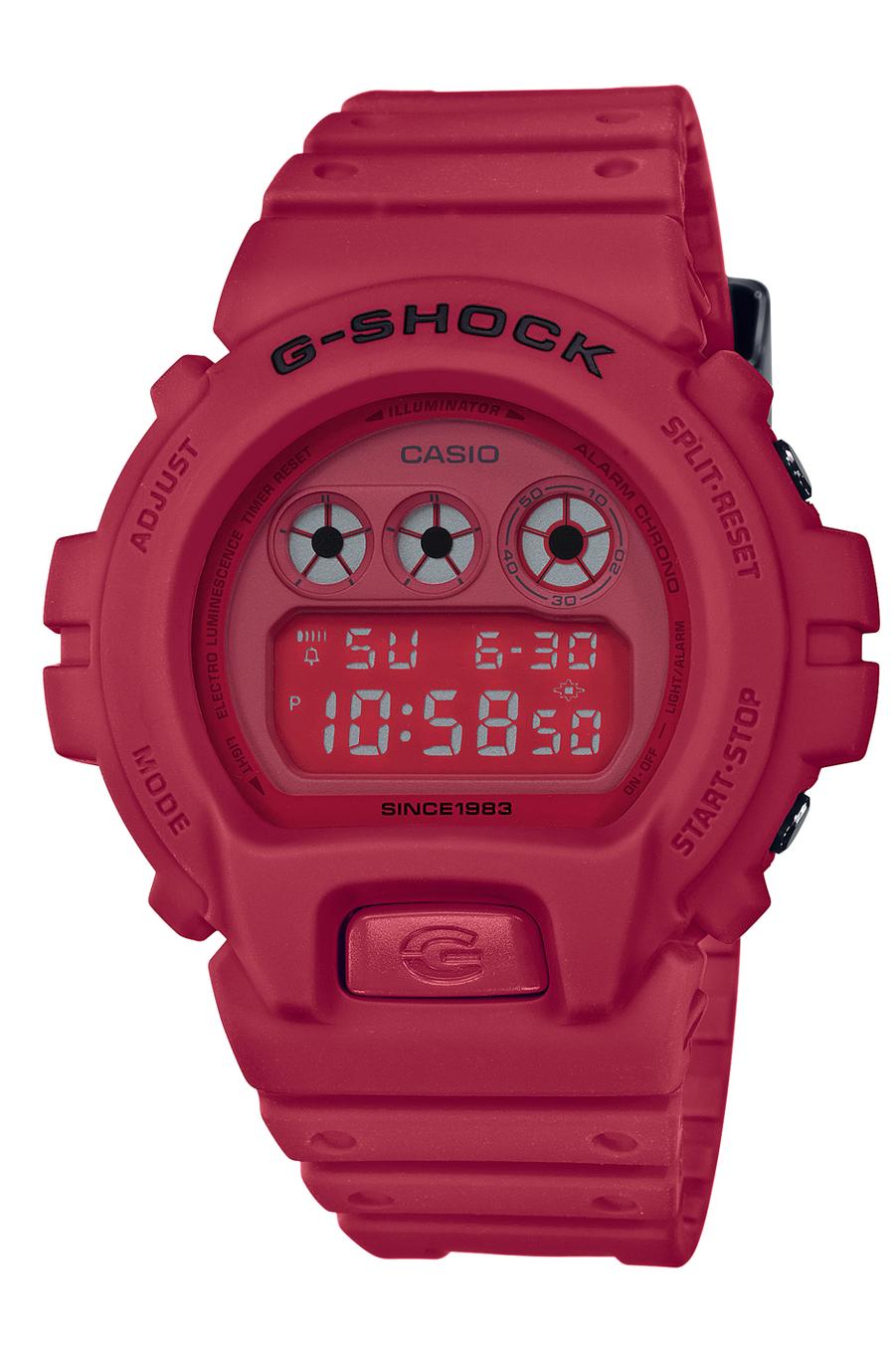 G-Shock Red Out en résine, 49 x 43 mm, mouvement multifonctions à quartz, bracelet en caoutchouc. 139 €. Casio.