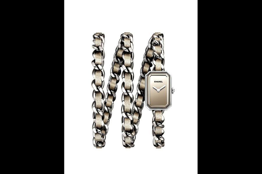 Première Rock Gold en acier, 24 x 16 mm, cadran miroir, mouvement à quartz, braceklet chaîne en acier et tissu. Série limitée à 1 000 exemplaires. Chanel Horlogerie. 4 150 €.