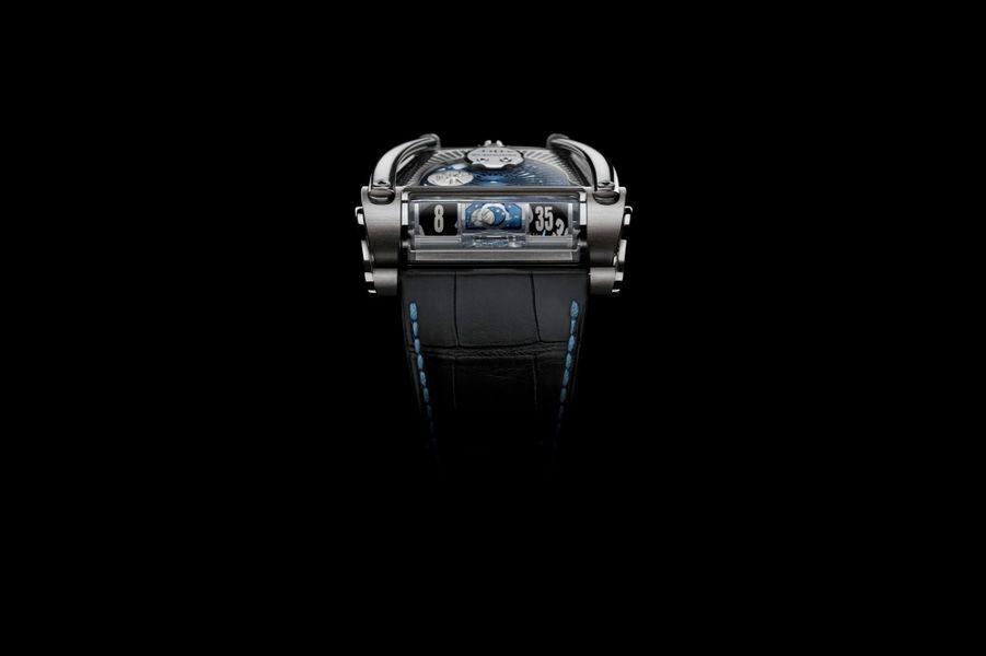 MoonMachine 2 en titane,49 x51, 5 mm, mouvement automatique, bracelet en alligator. Série limitée à 12 exemplaires. 90 000 €. MB&F en collaboration avec l'horloger finlandais Stepan Sarpaneva.