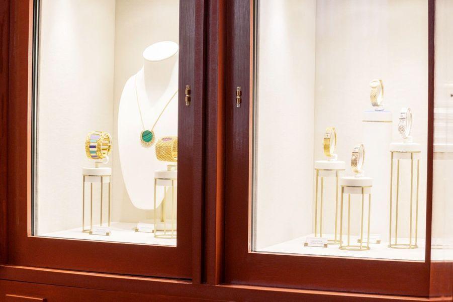 Style audacieux et collections éblouissantes sont ainsi mis en majesté sans oublier l'expertise unique de Piaget dans le travail de l'or.