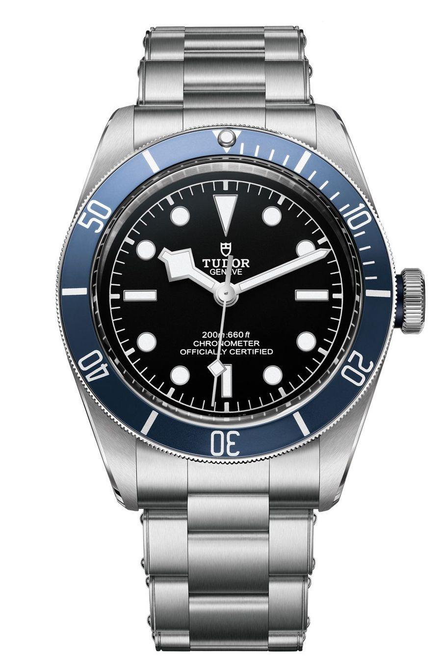 COS Heritage Black Bay en acier, 41 mm de diamètre, mouvement automatique, bracelet en acier. Tudor. 3 450 €.