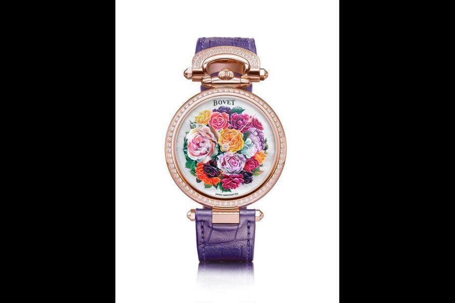 Château de Môtiers en or rose et diamants, cadran en nacre avec peinture miniature, 40 mm de diamètre, mouvement automatique, bracelet en alligator. Bovet. 58 000 €.