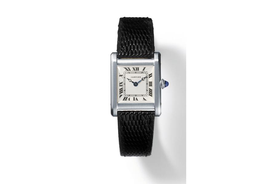 1917 Premier dessin de la montre Tank, un carré parfait qui intègre le bracelet.