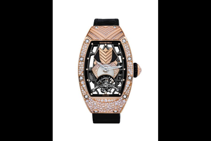 RM 71-01 Talisman en or rouge et diamants, 52 x 34 mm, cadran squelette, mouvement automatique, bracelet en alligator. Richard Mille. 436500 €.