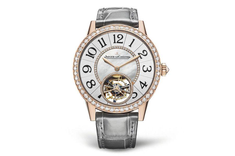 Rendez-Vous en or rose, 39 mm de diamètre, lunette sertie de diamants, cadran argenté avec centre en nacre, mouvement automatique, bracelet en alligator. Jaeger-LeCoultre.
