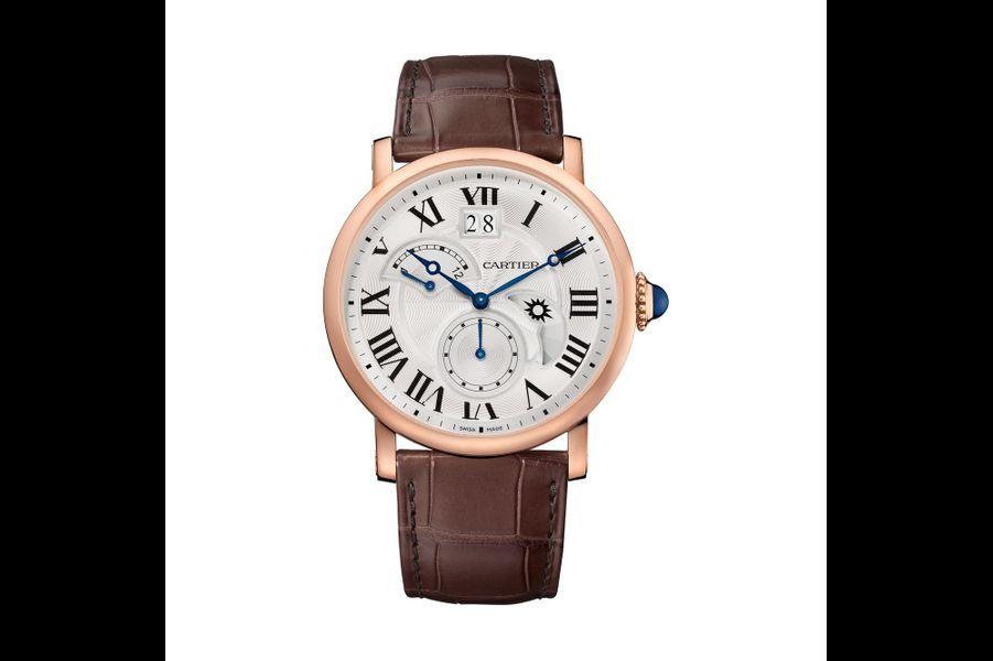Rotonde Second Fuseau Jour-Nuit en or rose, 42 mm de diamètre, mouvement automatique, bracelet en alligator. Cartier. 24 300 €.
