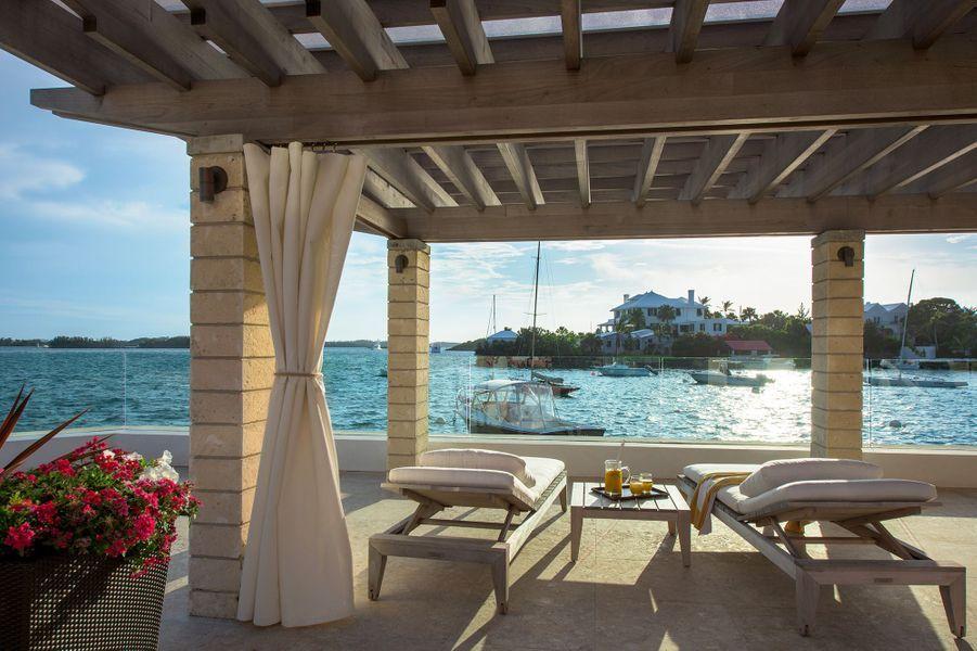 Boire unDark 'n' StormyauHamilton Princess & Beach Club A Fairmont Managed Hotel(Les Bermudes)