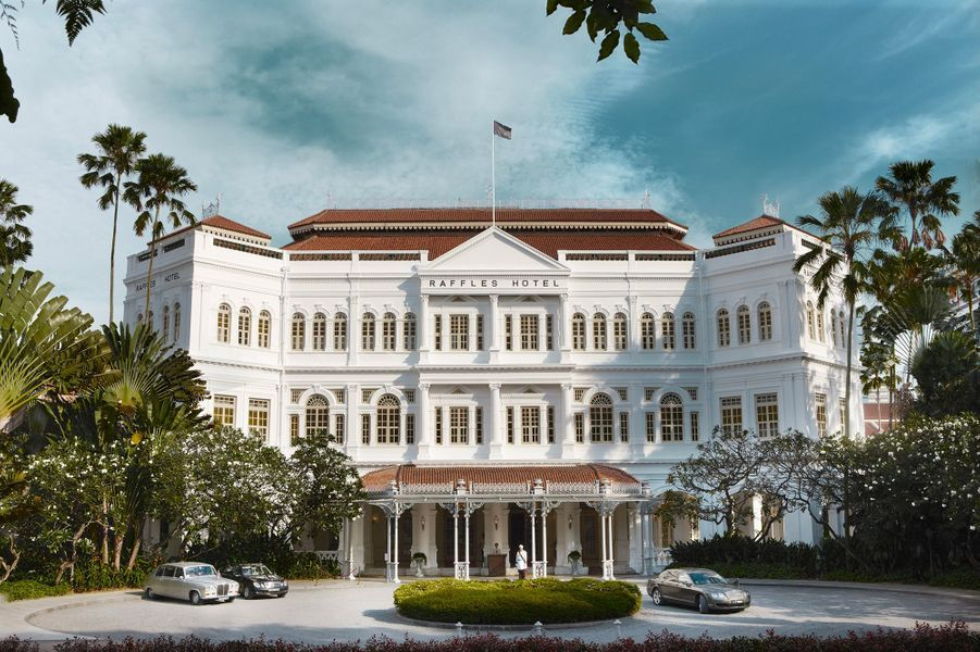 Boire unSingapore Sling auRaffles Hotel (Bukit Batok, Singapour).
