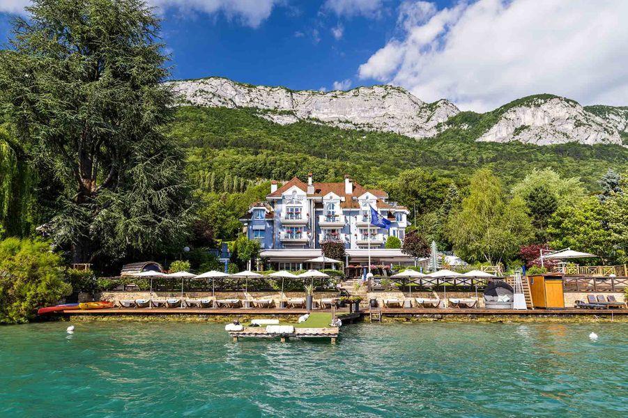 L'Hôtel Restaurant Yoann CONTE Bord du Lac d'Annecy.