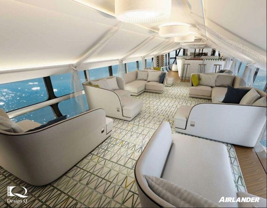 La première partie du trajet s'effectuera au-dessus de l'eau dans un silence inhabituel pour un aéronef. Aux premières heures de vol, cocktail de bienvenue, puis dîner préparé par le chef à bord, avec une vue à 360 degrés.