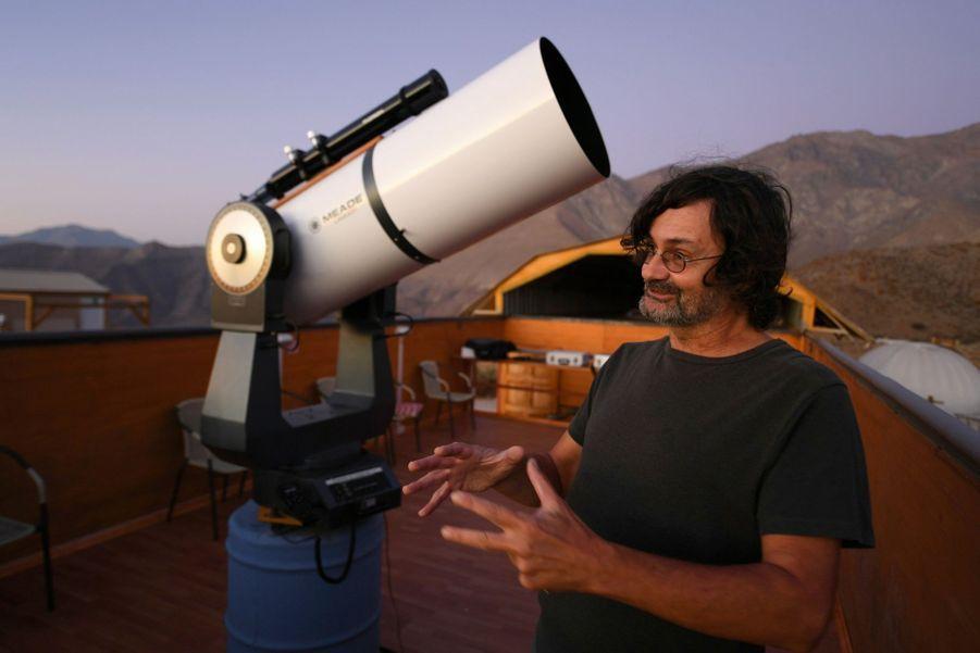 Le Français Eric Escalera organise des séances nocturnes d'observation.